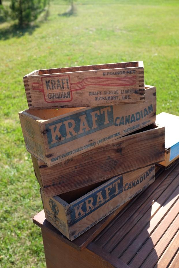 Des boites pour le beurre. En déco dans une cuisine, un bureau ça donne du charme